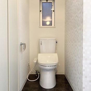 同じ空間におトイレも。