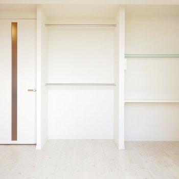 オープンな収納。計画的に収納用品を詰めよう(※写真は6階の同間取り別部屋のものです)