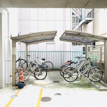自転車置き場はこんな感じです