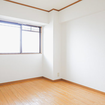 【洋5】こちらは右側の洋室。