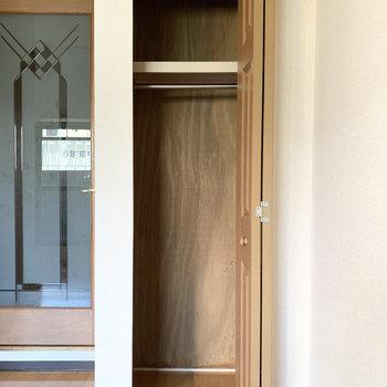 収納はちょっぴり間口が小さめ。中に収納を入れる場合は開口もしっかり採寸しましょう。(※写真は4階の同間取り別部屋のものです)