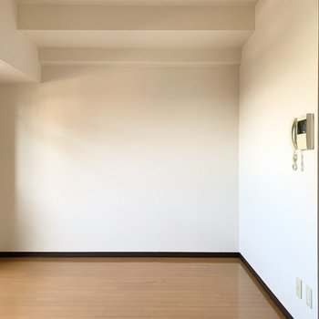 壁面がしっかりあるので家具の配置もしやすそう◎(※写真は4階の同間取り別部屋のものです)