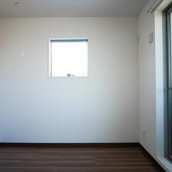 洋室4.5帖の広さ(※写真は3階の同間取り別部屋のものです)