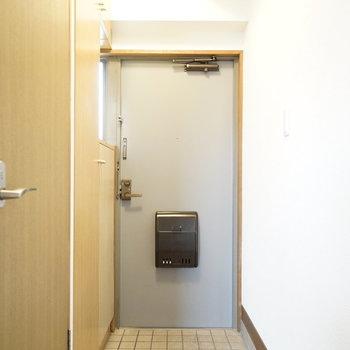 玄関は普通サイズですが…?