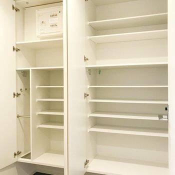 靴以外も収納できそうですね。※写真は2階の同間取り別部屋のものです