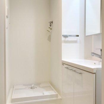白で統一してあるので清潔感が溢れます。※写真は2階の同間取り別部屋のものです