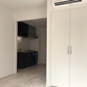 洋室にもエアコン完備。