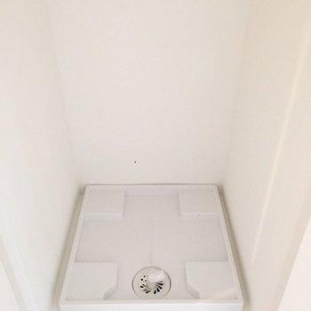 その隣には洗濯機置き場。扉で隠せるので、生活感を感じさせません。※写真は3階の同間取り別部屋のものです