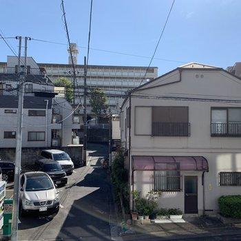 のどかな住宅街が広がります。