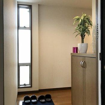 玄関スペースはゆとりがありますよ。