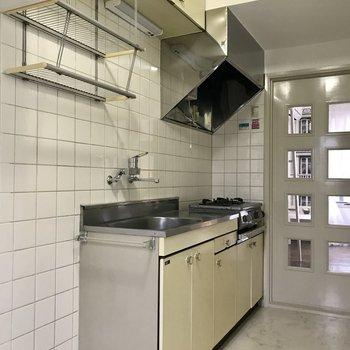 食器棚も十分確保。