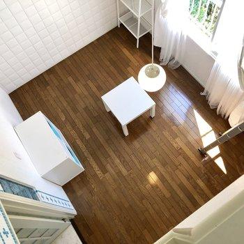 天井が高いのでお部屋が広く感じますよ。