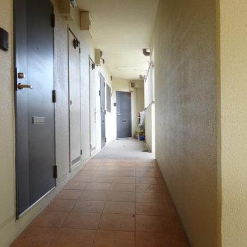 1階は3部屋。とても清潔な共用部。