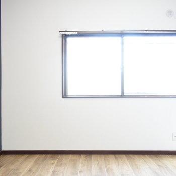 【2階・洋室②】窓もあるので日当たりはばっちり