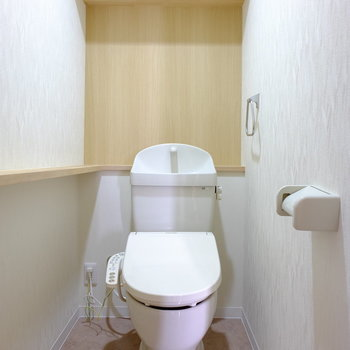 トイレの棚が横にも
