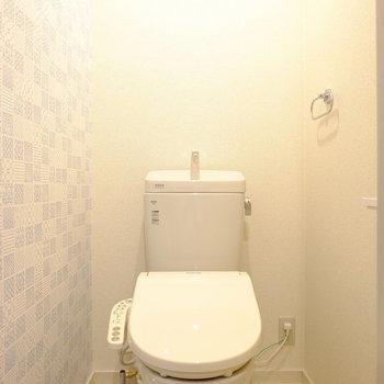 デザインクロスで明るいトイレ(※写真と文章は前回募集時のものです。)