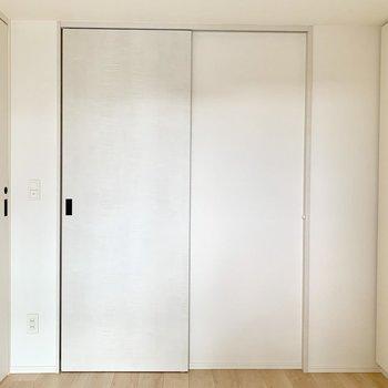 【洋室】この洋室は寝室ですね