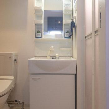 独立洗面台が綺麗だと気分も上がりますよね※写真は前回募集時のものです
