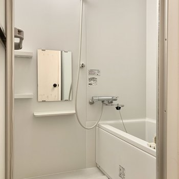 浴室は十分な広さ。