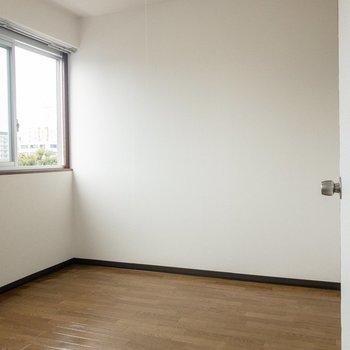 【洋室】ここはベッドルームにしようかな。