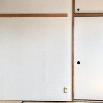 【和室】壁には長押があります。