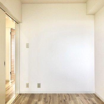 【洋室】引き戸でしっかり個室に出来るのでプライベートも保てます。
