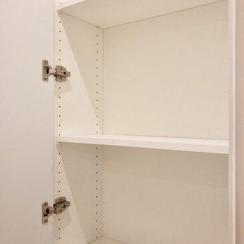 【LDK】キッチン後方にちょこっと収納が。文具など細々したものを収納しようかな。