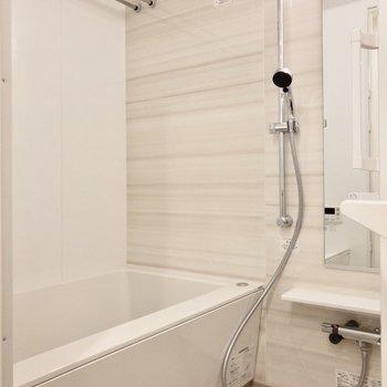 浴室乾燥機付きで雨の日も安心です。