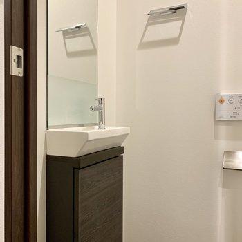 手洗い場も。※写真は4階の同間取り別部屋のものです
