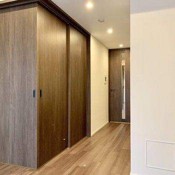 【LDK】この扉を開けると〜※写真は4階の同間取り別部屋のものです