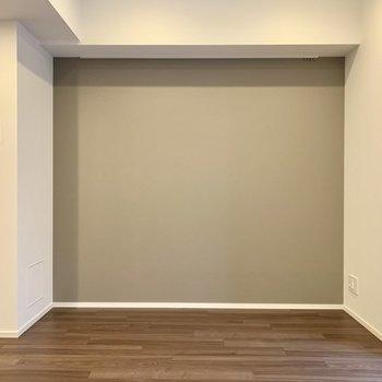 【LDK】アクセントクロスにピクチャーレールも◯※写真は4階の同間取り別部屋のものです