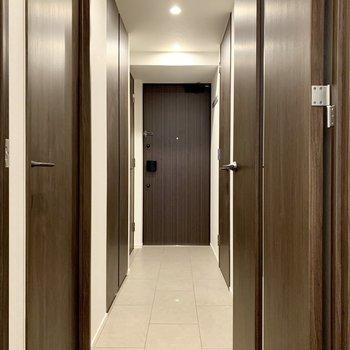 廊下に行きましょ〜※写真は4階の同間取り別部屋のものです