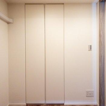 【洋室3.6帖】白で統一感があります。
