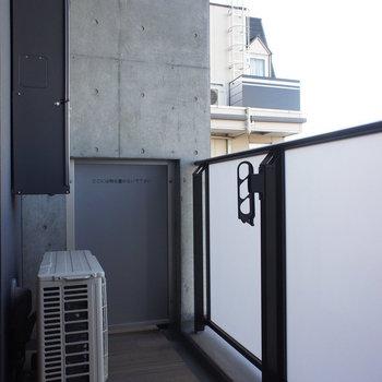 バルコニーもしっかり。※写真は4階の同間取り別部屋のものです