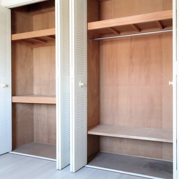【洋室4.9帖】収納はこのお部屋が大容量!※写真は前回募集時のものです
