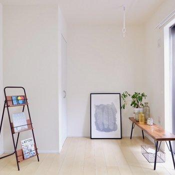 シンプルに、ゆったりと暮らせそうです。※家具・雑貨はサンプルです