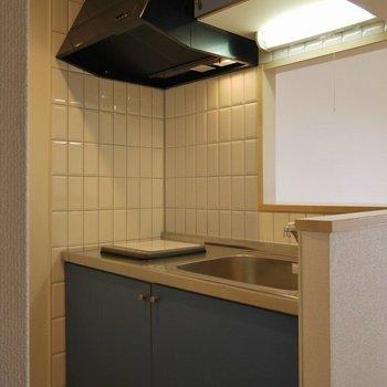 IHコンロは一つです。上手に料理しましょう!。※写真は406号室のもの