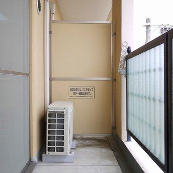 ベランダも十分スペースあります。※写真は406号室のもの