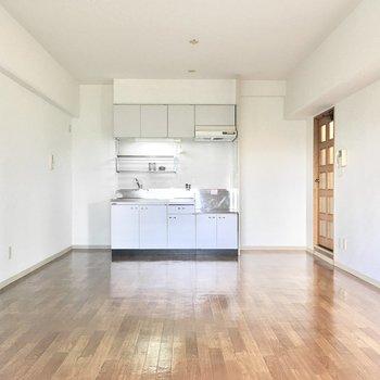 これだけ広さがあれば好きな家具も置けますね。