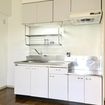 キッチンは収納たっぷり。