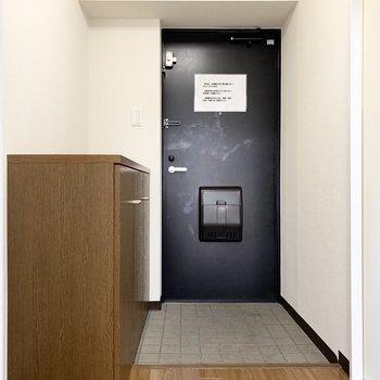 さて、室内の最後は玄関を。(※写真は3階の同間取り別部屋のものです)
