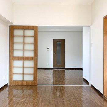 LDKと繋げて大きく使うのが良さそうなお部屋です。(※写真は3階の同間取り別部屋のものです)