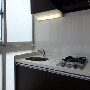 窓際のキッチンっていいですね※写真は9階の同間取りのもの