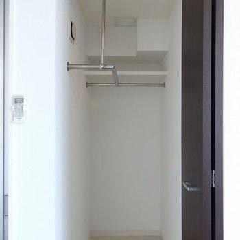 ウォークインクローゼットもあり※写真は9階の同間取りのもの