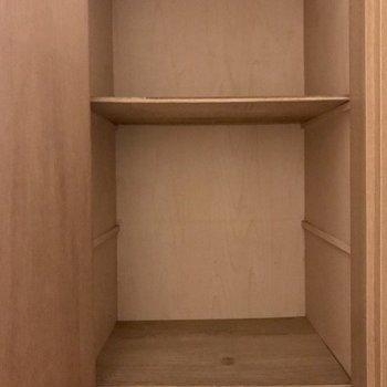 けど玄関のこの収納をアレンジしてシューズBOXにしても良さそう!(※写真は3階の同間取り別部屋のものです)