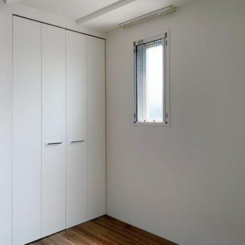 こういう小窓がありがたいんだなぁ。