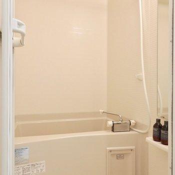 浴室乾燥もついております。※写真は2階の反転間取り別部屋のものです