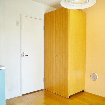 水色とオレンジの相性が良い◎※写真は3階の同間取り別部屋のものです