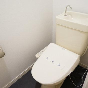 トイレにはウォシュレットも♪※写真は2階の同間取り、別部屋の写真です