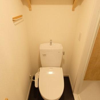 トイレの小物パーツは新しくTOMOSオリジナルのものが着きます。※写真はイメージです